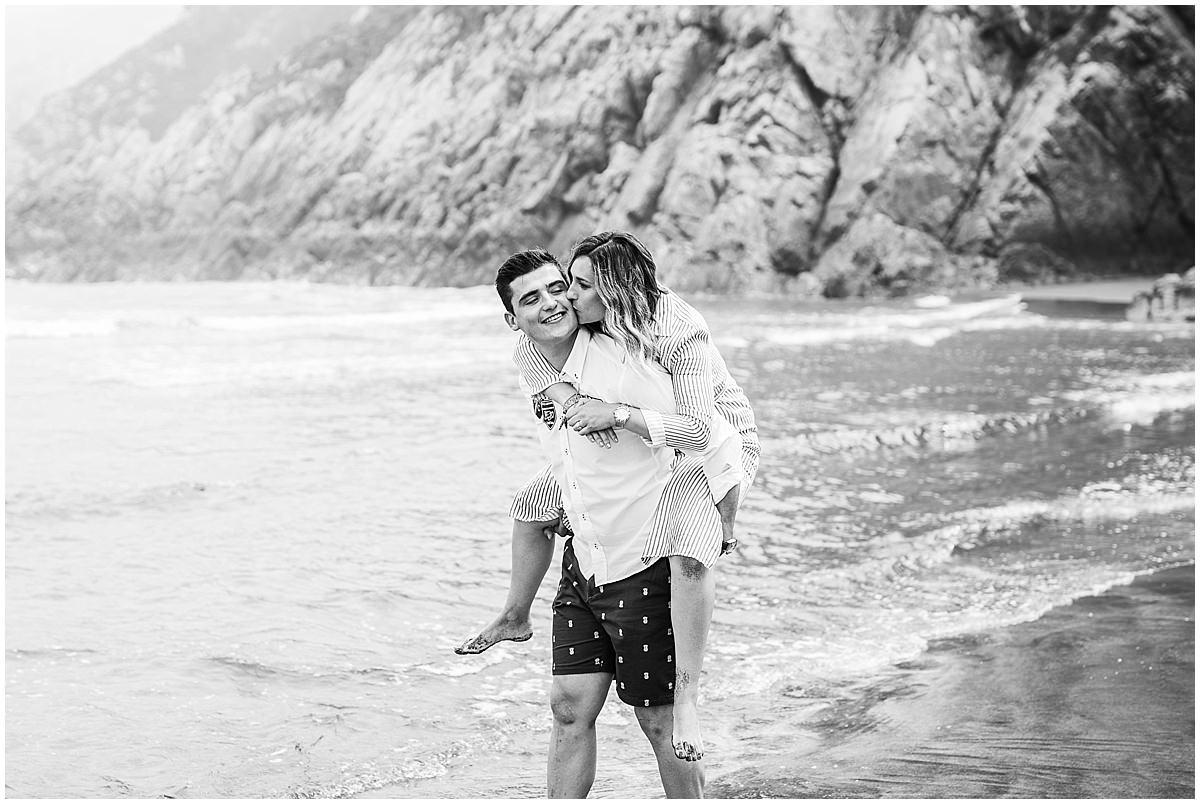 Sesión de pareja en la playa de Gijón