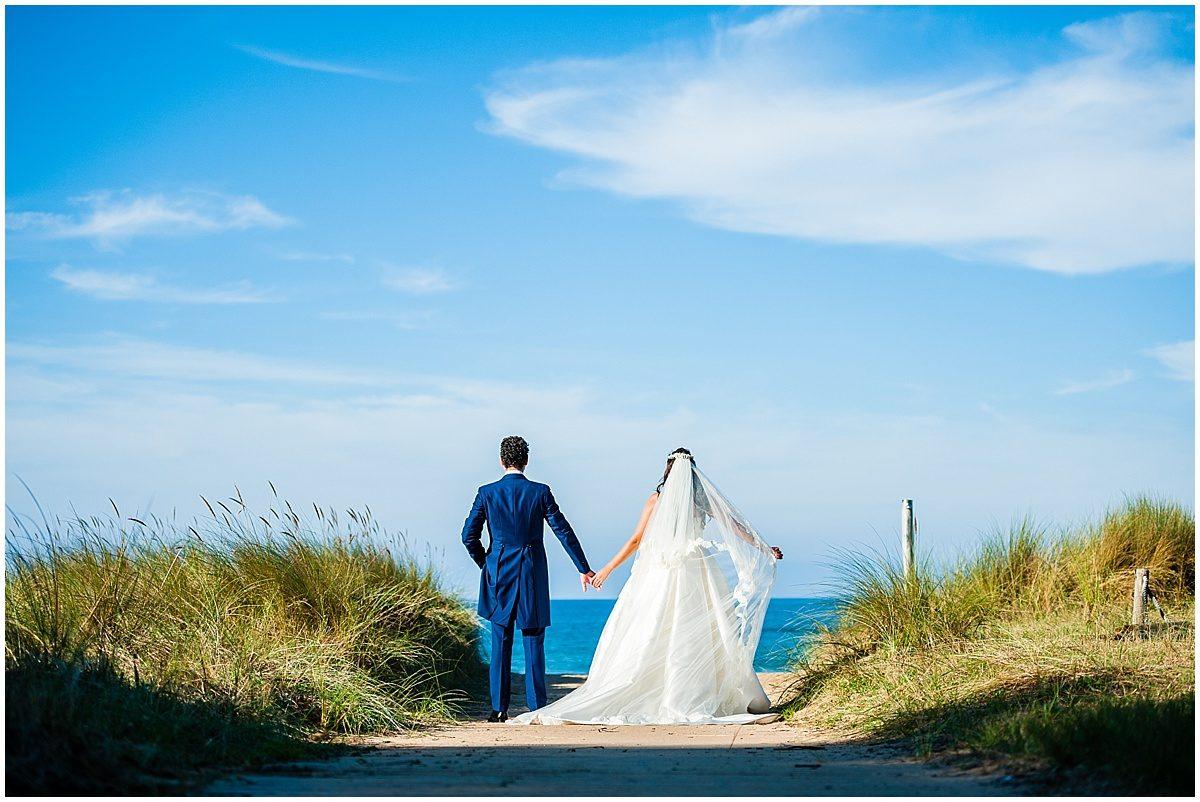 Postboda fotos de novios en la playa originales